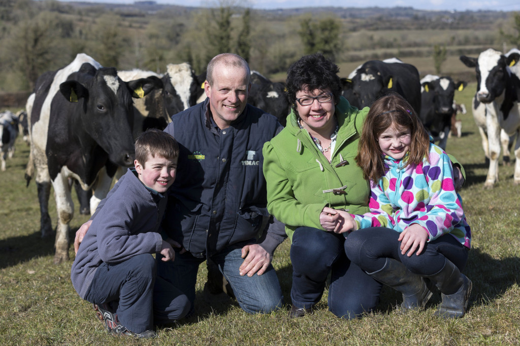 Farming Examiner 2/4/13 Lorna Sixsmith, Garrendenny, Crettyard, Carlow, Co. Laois pictured on the farm with from left Will aged 10, Brian and Kate aged 8. Picture Dylan Vaughan.